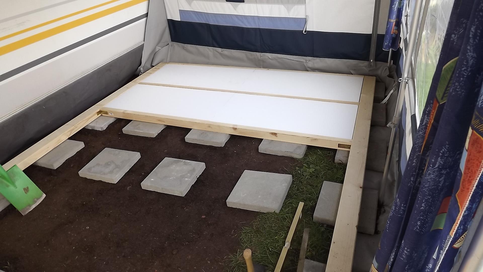 Fußboden Camping Vorzelt ~ Familie kaesmann camping